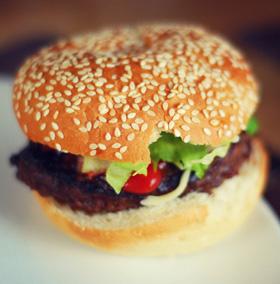FAST FOOD - PERICOLE LA TOT PASUL